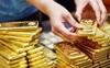Giá vàng tiếp tục giảm, mua vàng cách đây 3 ngày và bán ra hôm nay cầm chắc lỗ 2 triệu đồng/lượng