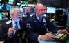 Dow Jones tăng hơn 300 điểm, chứng khoán Mỹ bứt phá và lập đỉnh ngay phiên giao dịch đầu tiên của năm