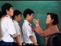 Phụ huynh nước ngoài làm gì khi con bị giáo viên đánh?