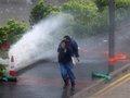 Hong Kong 'tê liệt' vì bão Hato