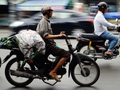 Nên xử lý xe máy cũ nát lưu thông trên đường như thế nào?