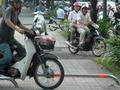 TP.HCM tạm ngưng lắp đặt barie trên vỉa hè