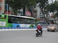 Lắp dải phân cách cứng cho BRT: Nhiều ý kiến trái chiều