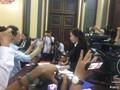Chủ tọa phiên tòa lý giải vì sao bà Mai Phương được ngồi phòng kín