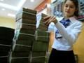 """Nợ công của Việt Nam: """"Chúng ta đang trẻ đã ăn chơi"""""""