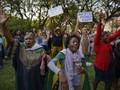 Nền kinh tế Zimbabwe đã tiến tới bờ vực sụp đổ như thế nào?