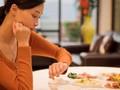 Ăn tối quá muộn gây ra 7 bệnh nguy hiểm: Đây là thời gian hợp lý để ăn tối