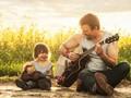 Cách hành xử của cha mẹ hàng ngày chính là nguyên nhân khiến con trẻ bỗng trở nên rụt rè, kém cỏi: Phụ huynh cần biết để không làm hại con