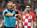 """Gây tranh cãi tại World Cup, VAR đứng trước nguy cơ bị UEFA """"tẩy chay"""""""