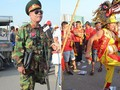 Những CĐV đặc biệt của trận Việt Nam vs Malaysia: Mặc bộ đồ tự tay làm từ hơn 10 năm trước, cổ vũ đội tuyển nước nhà bất kể ở đâu