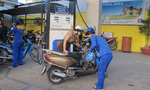 Tính nhầm giá xăng: Bộ Tài chính họp khẩn, bắt DN chịu