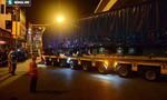 Video: Dân Thủ đô háo hức xem cẩu đầu tàu lên ray đường sắt Cát Linh - Hà Đông