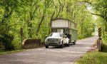 Đi du lịch khắp nơi với ngôi nhà gắn bánh xe 38m2