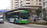 Lắp dải phân cách cứng cho làn bus nhanh BRT: Nhiều ý kiến trái chiều