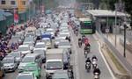 Suýt chết vì tạt đầu buýt nhanh ở Hà Nội