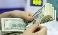 Đầu tuần, giá USD ngân hàng lại tăng mạnh lên 21.820 đồng