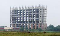 Dự án nhà sinh viên 600 tỷ bỏ hoang thành chuồng vịt