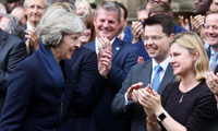 """Chân dung tân Thủ tướng sẽ chèo lái con thuyền Anh trong """"cơn bão"""" Brexit"""