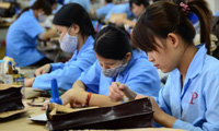 """Kinh tế Việt Nam: Đã đến lúc không thể """"khoe"""" nhân công giá rẻ"""