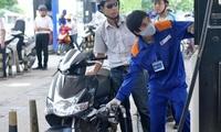 Giá xăng có thể tiếp tục tăng vào ngày mai