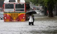 Tắc đường, lụt lội, ô nhiễm không khí: Bệnh chung của các đô thị châu Á