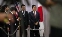 """Thủ tướng Nhật Bản: """"Ông Trump là người đáng tin cậy"""""""