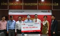Nhận thưởng hơn 50 tỉ, người trúng Vietlott làm từ thiện 1 tỉ
