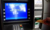 """Các NHTM được """"lệnh"""" ưu tiên hàng đầu cấp tiền mặt cho máy ATM"""
