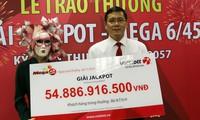 Người phụ nữ ở Vĩnh Long đeo mặt nạ nhận 55 tỷ độc đắc