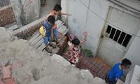 Chuyện lạ: Nhà biến thành hầm chui trên đường 2 tỷ đồng/m ở Hà Nội