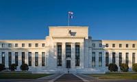 Fed cứng rắn với tăng lãi suất, USD giảm, chứng khoán tăng