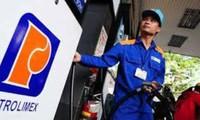 Giá xăng dầu đồng loạt tăng thêm gần 650 đồng/lít