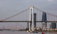 Nên xây hầm qua sông Hàn vì đã có nhiều cầu?