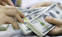 Lãi suất giảm: Tiền vẫn đổ vào tiết kiệm