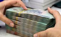 Vì sao một số ngân hàng phải đẩy lãi suất huy động lên cao?