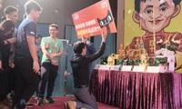 Doanh số ngày Cô đơn bùng nổ, người Trung Quốc phong Jack Ma là thánh sống, lập bàn thờ để khấn ông cũng đúng thôi!
