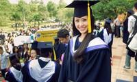 """Mỗi năm sinh viên Việt Nam """"ôm"""" 3 tỷ USD đi du học"""