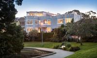 """Những căn biệt thự đẹp như mơ bị các sao Hollywood """"vứt bỏ"""""""