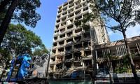 Tranh nhau cải tạo chung cư cũ trên đất vàng TP HCM