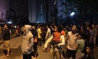 Cháy tại tòa nhà Rainbow Linh Đàm lúc nửa đêm, cư dân tháo chạy tán loạn