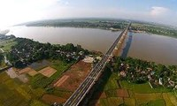 Mời chuyên gia trị thuỷ thế giới lập quy hoạch 2 bờ sông Hồng