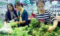 Rau xanh tăng giá đột biến