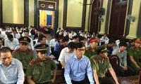 """Phạm Công Danh chỉ đạo """"thổi giá"""" đất để rút tiền VNCB trả nợ BIDV"""