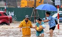 Hà Nội ngập lụt do lấp hồ ao xây cao ốc