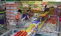 """Hàng Việt Nam chật vật """"chen chân"""" vào thị trường ASEAN"""