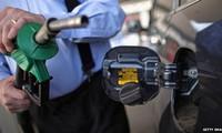 """Giá dầu """"lội"""" đáy 1 tháng sau sự cố nổ đường ống"""
