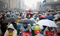 Bê bối vụ pháp sư, Tổng thống Park tuyên bố sẵn sàng từ chức
