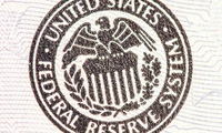 """Fed tăng lãi suất lần 2 trong 3 tháng, Warren Buffett chính là người """"cười tươi nhất""""?"""