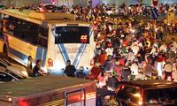 Kẹt xe tới khuya mỗi ngày, người Sài Gòn nổi nóng