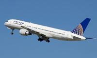 """United Airlines sẽ khởi kiện người quay video """"kéo lê hành khách""""?"""